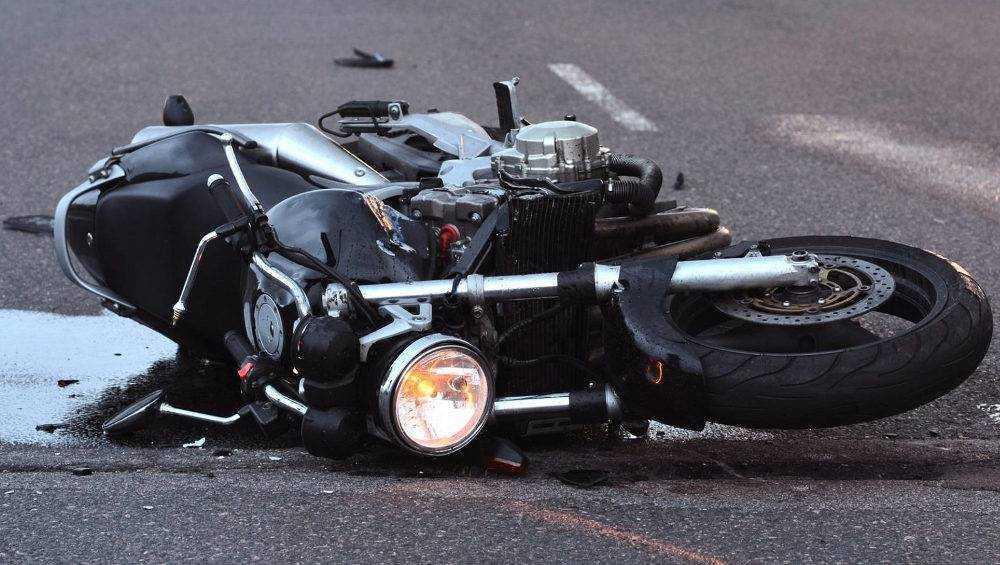 Под Брянском на трассе «Украина» разбились мотоциклистка и ее пассажир
