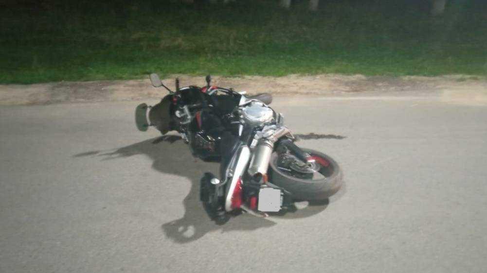 В Брянском районе упрямый водитель Renault сломал ногу мотоциклисту