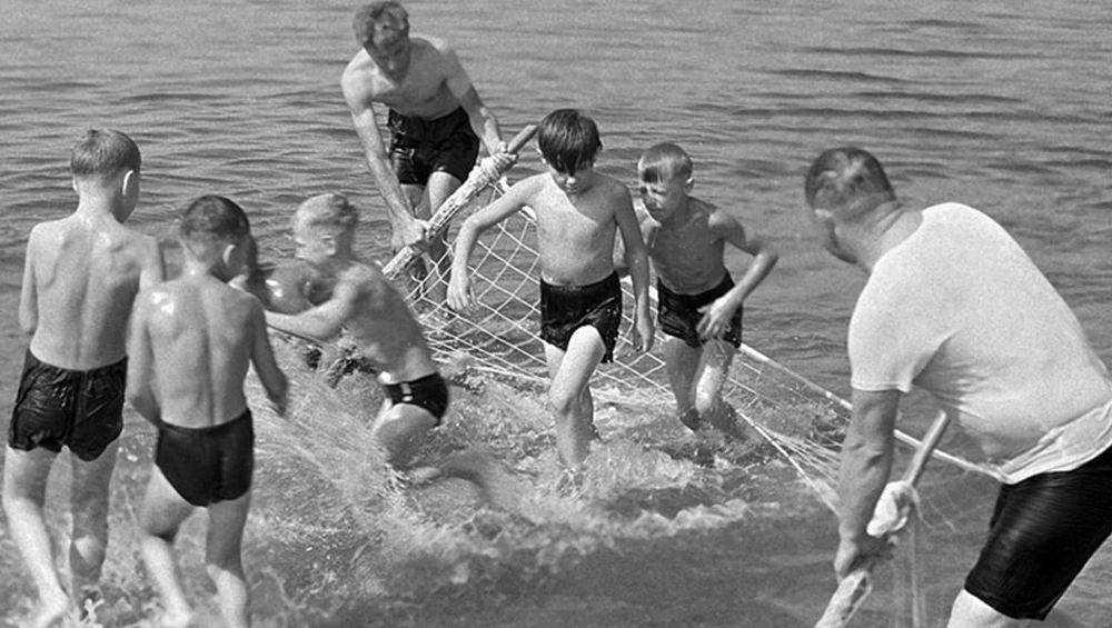 Под Новозыбковом спасатели предотвратили гибель тонувшего в реке ребенка