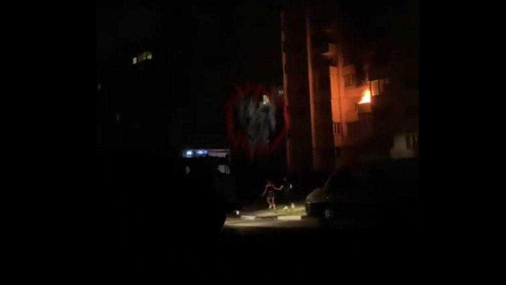 В Брянске ночью загорелась квартира в доме на улице Романа Брянского