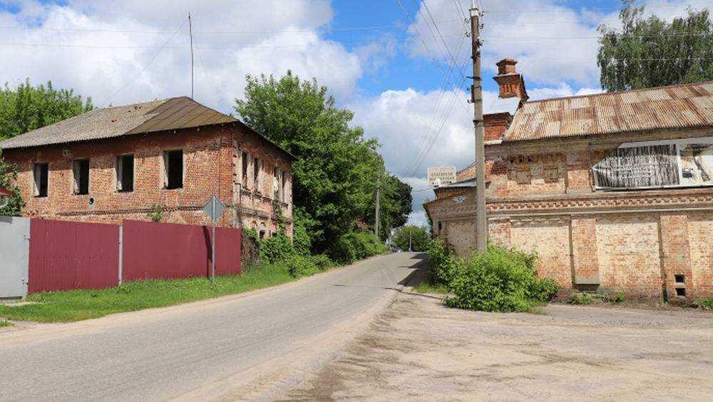 В Клинцах власти продолжили сносить здания Старого города