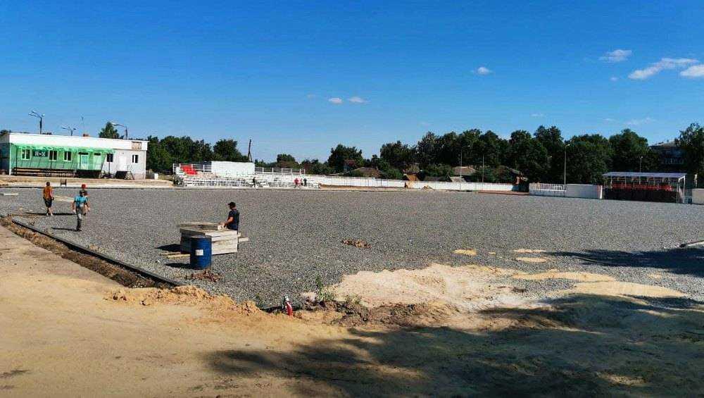 В Стародубе брянский губернатор проверил строительство стадиона «Заря»