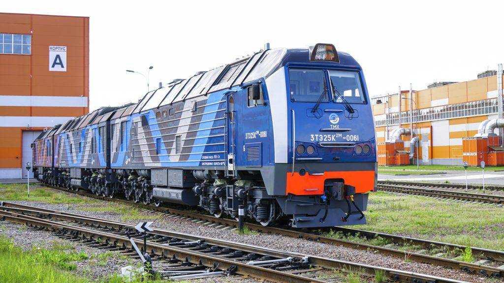 Три новых тепловоза ТМХ начали перевозить уголь Эльги