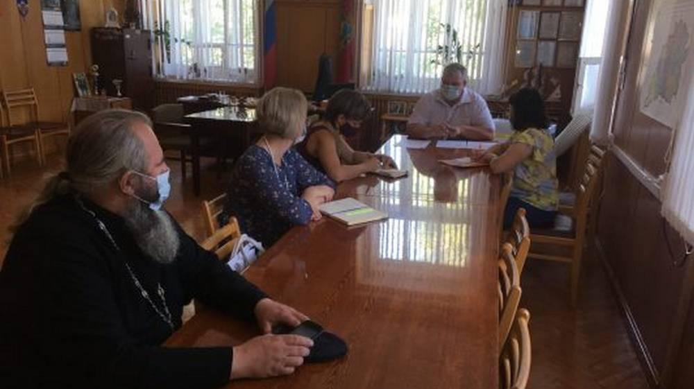 В Локте создали совет по вопросам межнациональных и этнографических отношений