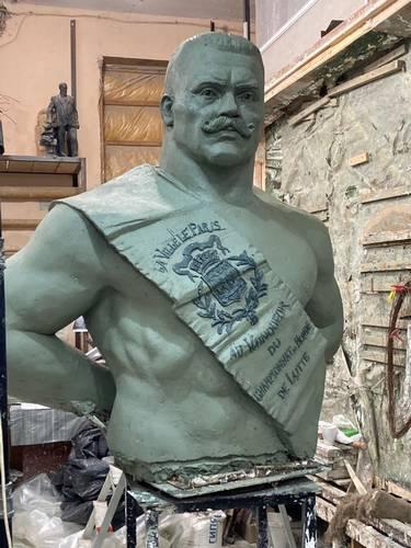 В Москве оценили решение главы Брянска установить бюст Героя Советского Союза