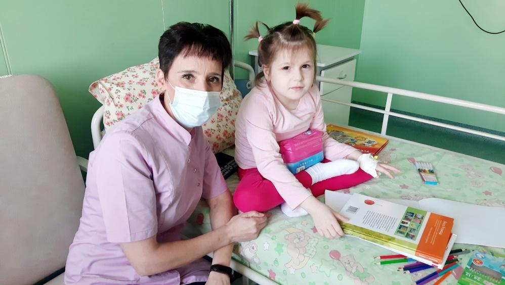 Брянцы купили для девочки Кати два слуховых аппарата за 120000 рублей