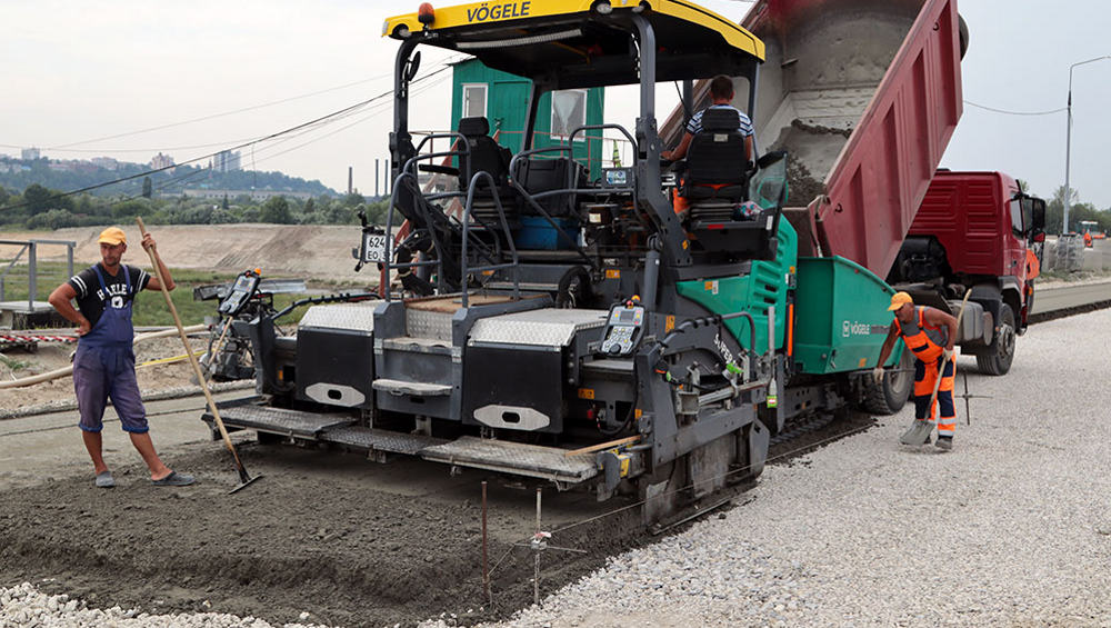 На дороге Брянск-I – Брянск-II через неделю завершат укладку «тощего» бетона