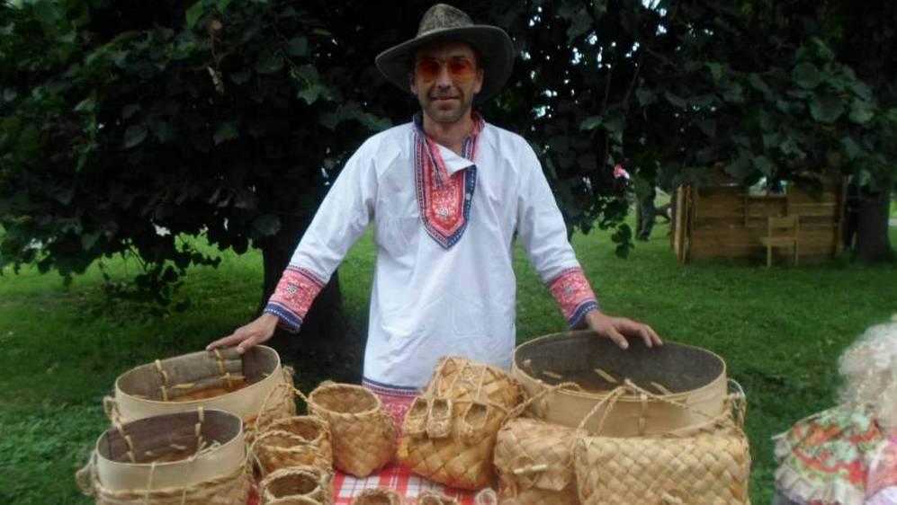 Мастер народных ремесел Сергей Тараторкин откроет выставку «Лыковая сказка»