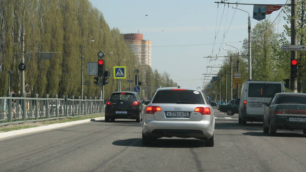В Брянске снесли старый остановочный комплекс на Московском проспекте