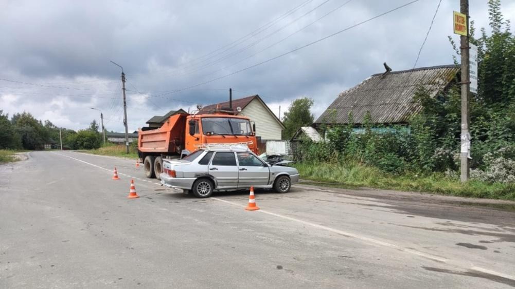 В Клетне погиб угодивший под КамАЗ 79-летний водитель автомобиля ВАЗ