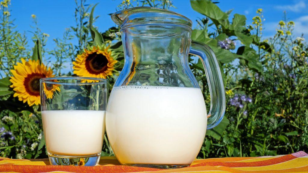 Припадок либерализма: в Европе и США предложили запретить молоко из-за расизма