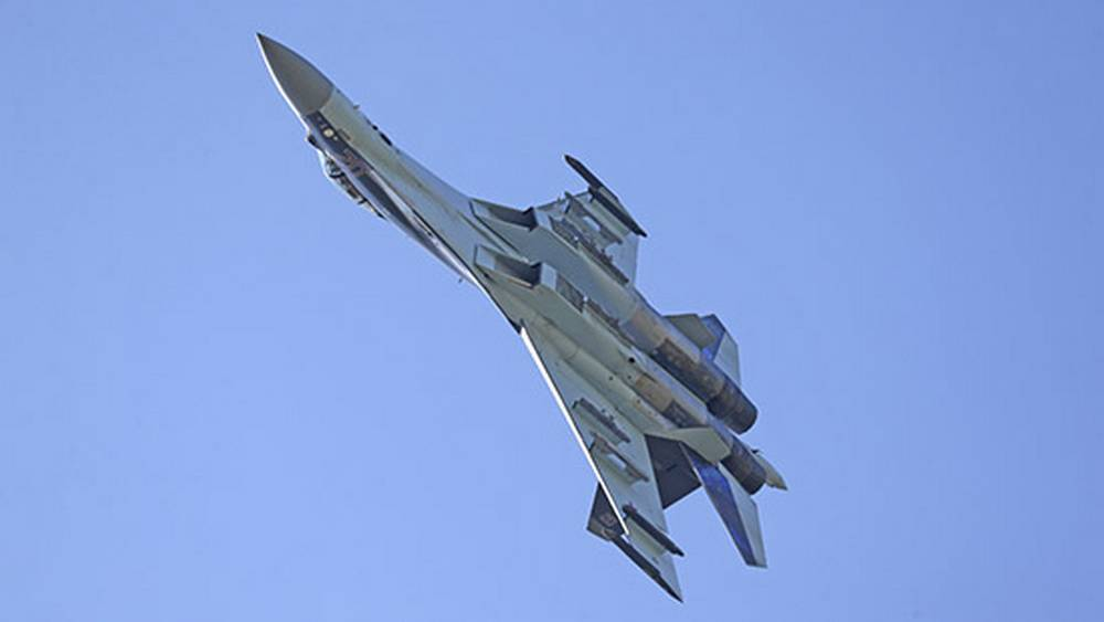 Истребитель Су-35С после отказа двигателя упал в Охотское море