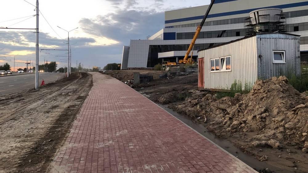 В Брянске на Объездной улице построили тротуар со стороны Дворца единоборств