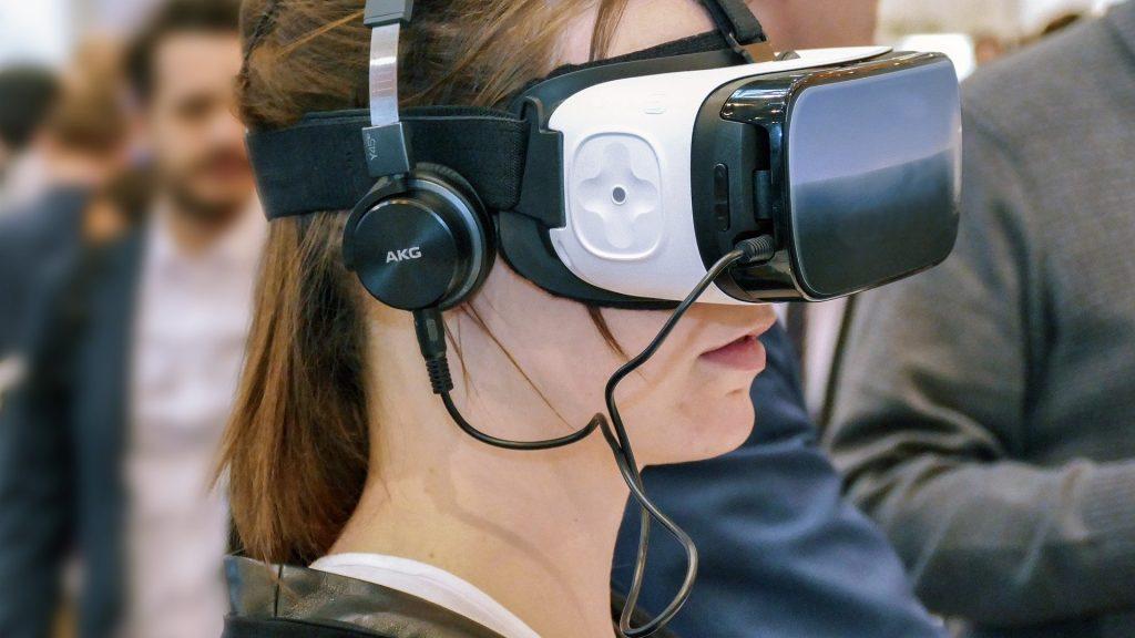 На Брянском химическом заводе начали использовать современный VR-тренажер