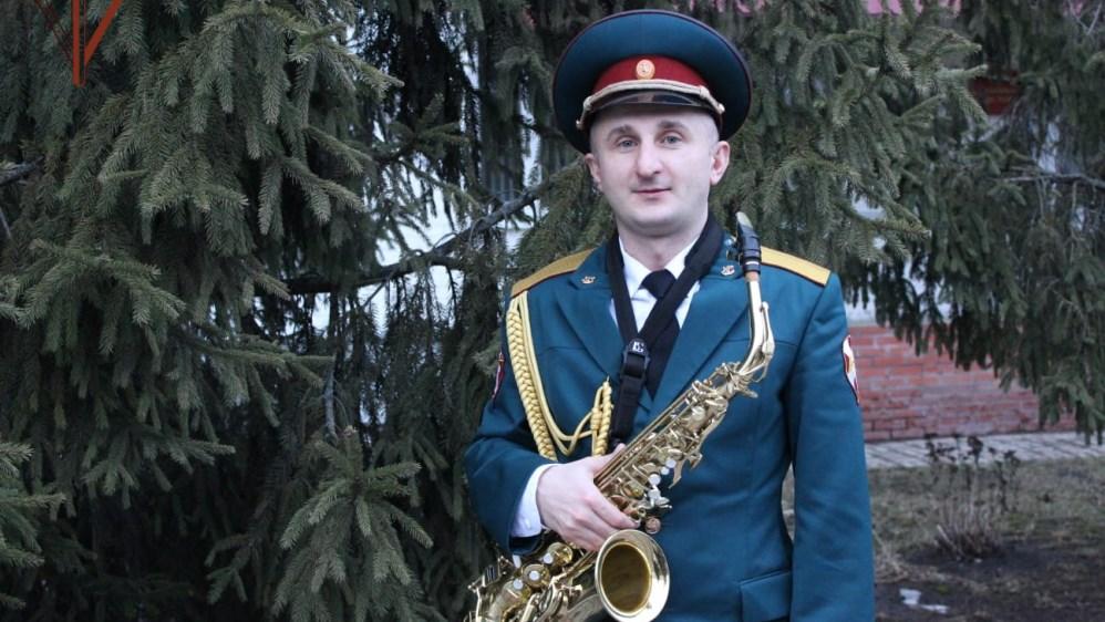 Брянский росгвардеец посвятил музыкальный альбом непобеждённому генералу