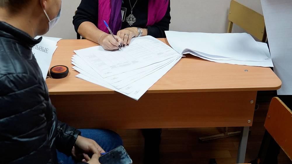 На избирательном участке в Брянске произошла стычка наблюдателей с коммунистом