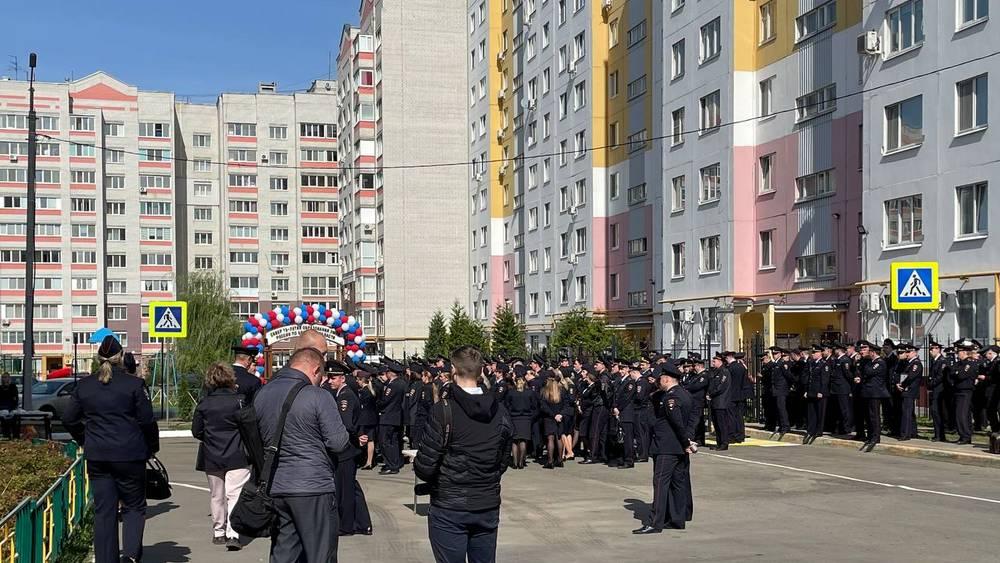 В Брянске на улице Романа Брянского открыли сквер в честь 75-летия УМВД