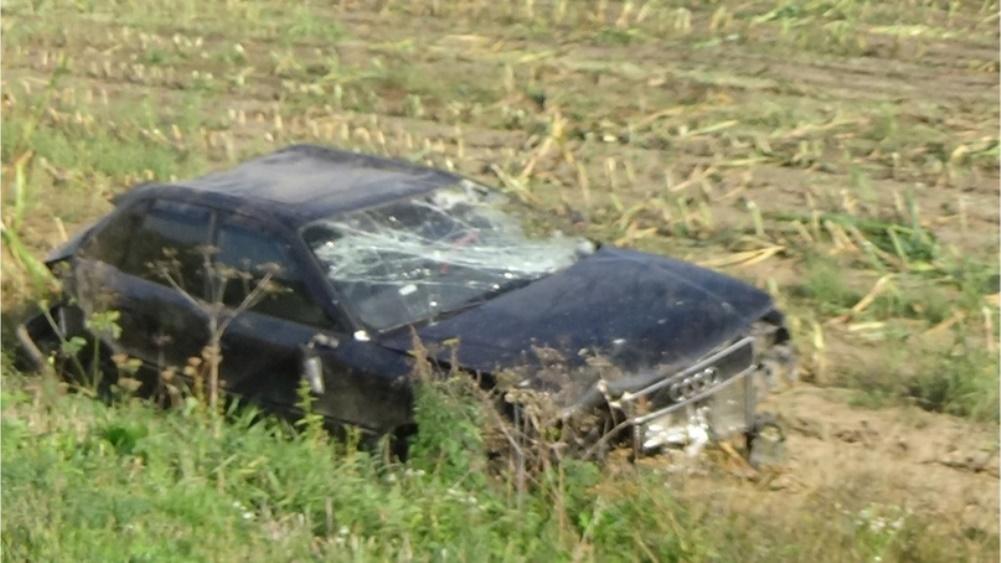 Под Стародубом 31-летняя женщина сломала позвоночник в перевернувшемся Audi
