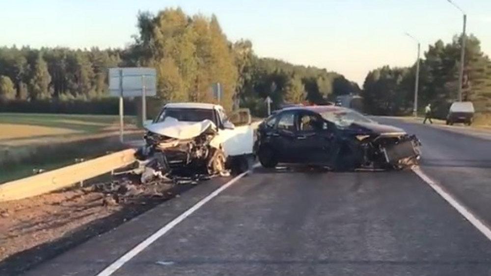 Возле Локтя на автотрассе в ДТП с двумя автомобилями пострадал ребенок