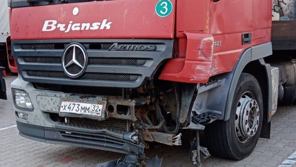 Пьяный дальнобойщик из Брянска в Польше разбил на стоянке 6 фур