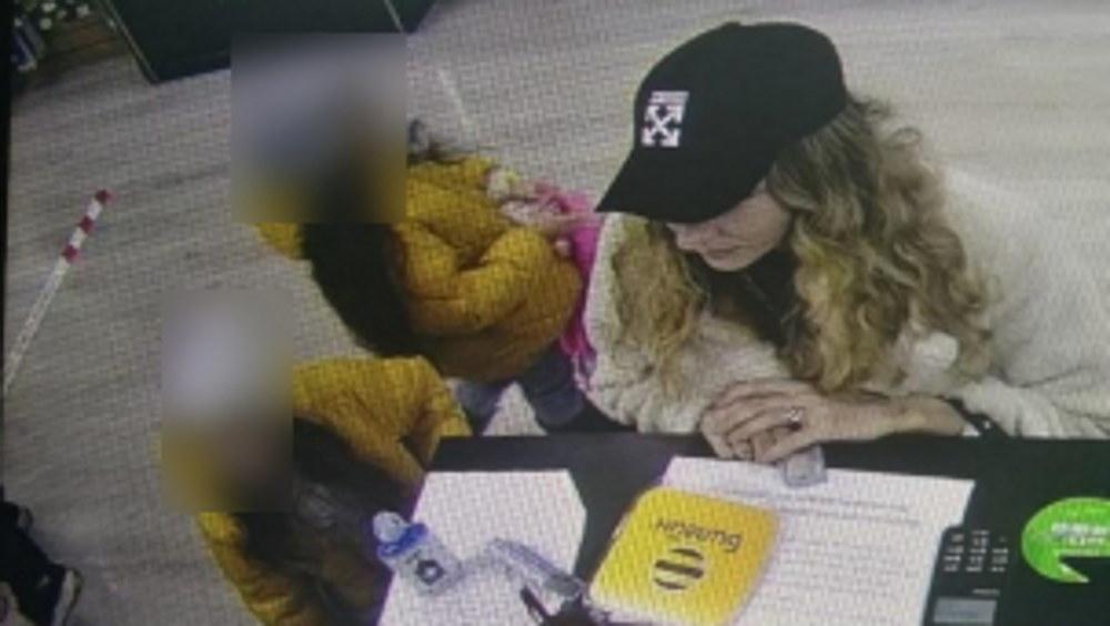 В брянском магазине женщина расплатилась фальшивой купюрой в 2000 рублей
