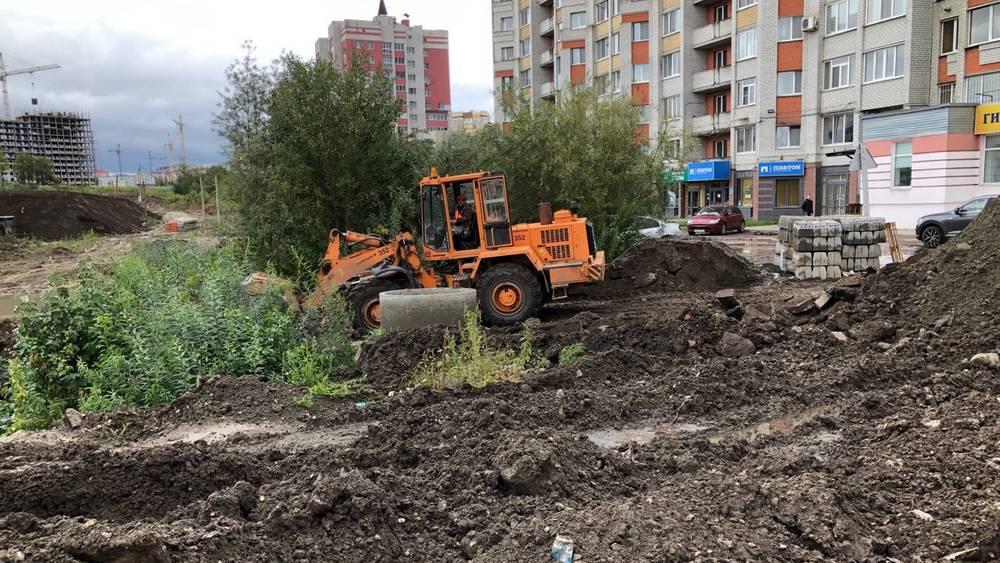 В Брянске началось строительство дороги на Счастливой улице
