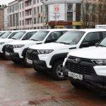 Брянским медикам передали 42 автомобиля «Лада-Нива»