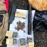 В Брянке сотрудники УФСБ задержали с поличным торговца оружием