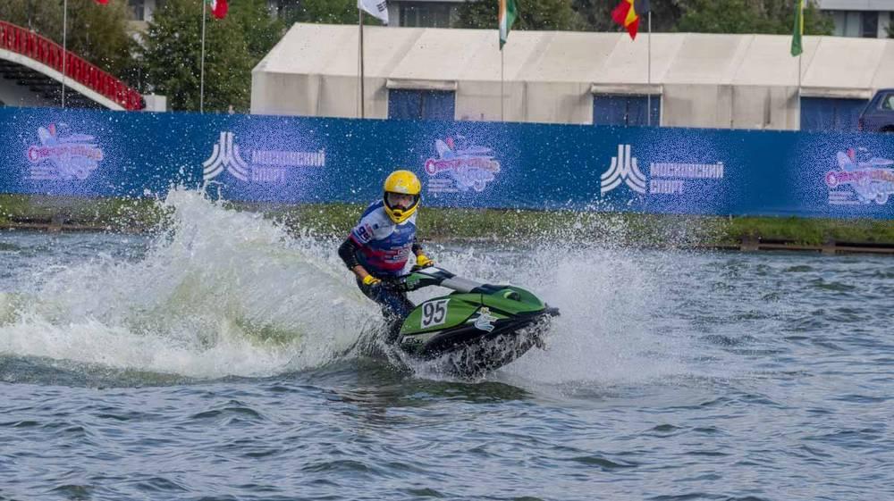 Брянец Дмитрий Бацурин победил на чемпионате России по аквабайку