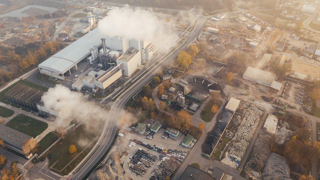 В России оценят последствия введения углеродного налога