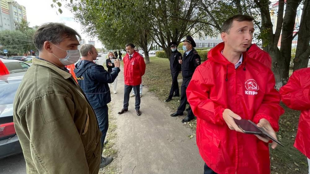 В Брянске коммунисты попали в скандал по дороге на площадь Партизан