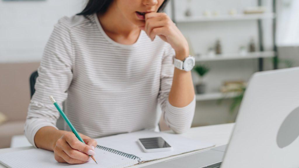 В Брянской области женщины учатся онлайн чаще: исследование big data Tele2