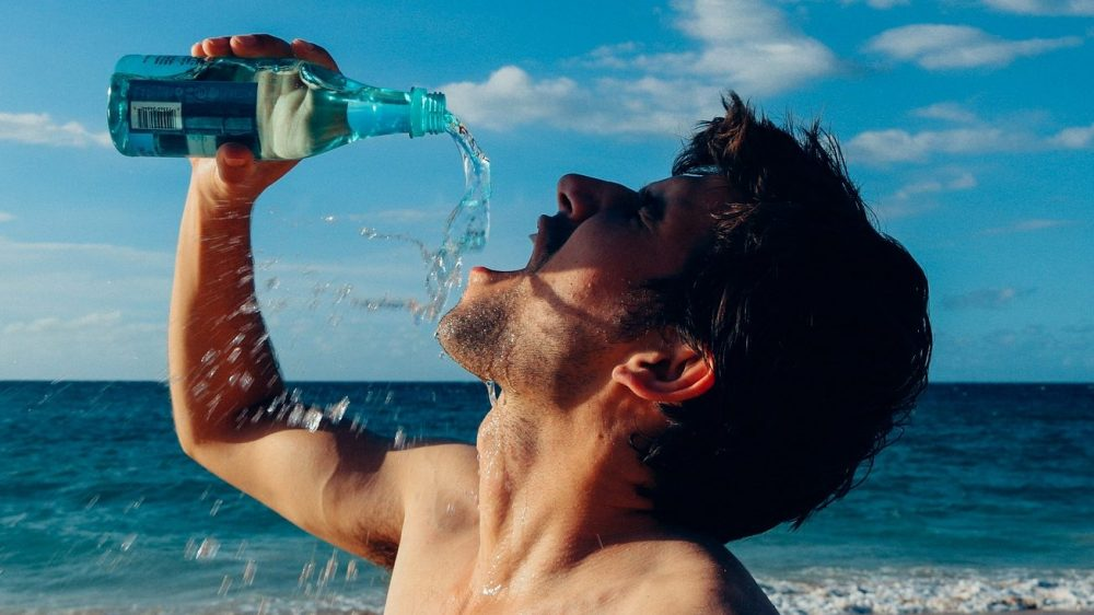 Ученые рассказали, сколько человеку необходимо пить воды в день