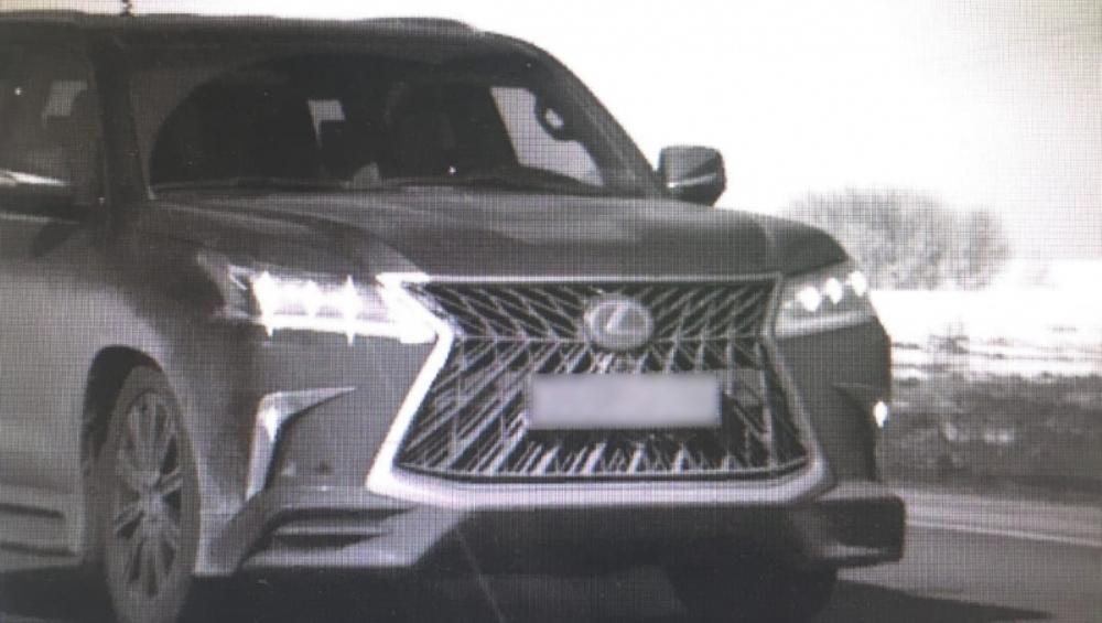 В  Брянске у жителя Москвы похитили Lexus за 7 миллионов рублей
