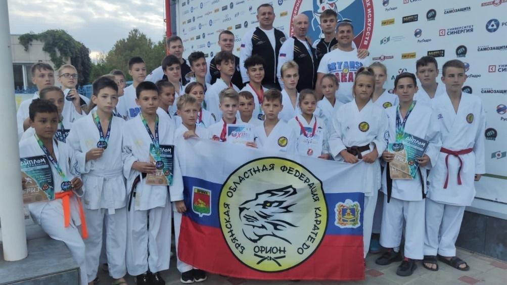 Брянские каратисты привезли 9 медалей с Игр боевых искусств в Анапе