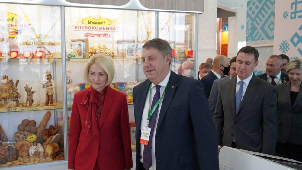 На выставке «Золотаяосень» брянский губернатор рассказал об успехах крестьян