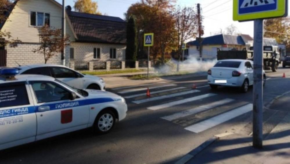 В Брянске мужчина обратился к очевидцам ДТП, в котором погибла его жена