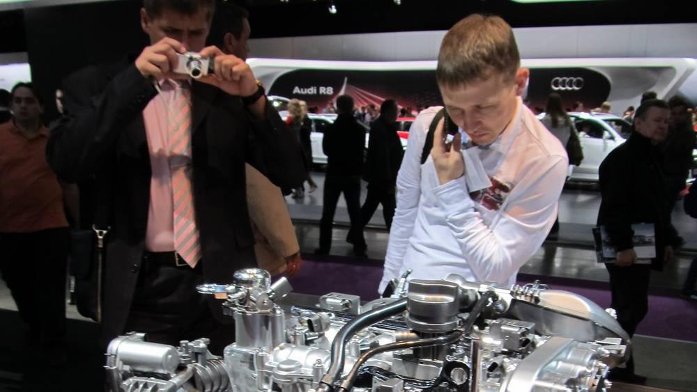 В брянских салонах пропали автомобили − мировые финансовые шулеры ухмыляются