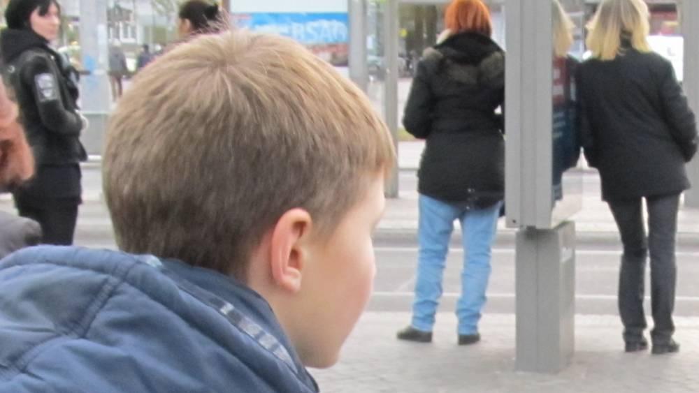 В Брянске рассказали странную историю о мальчике и черствых пассажирах