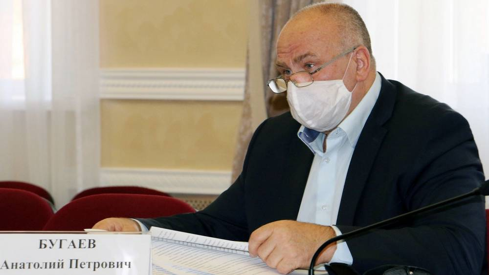 Глава комитета Брянской думы Анатолий Бугаев провел прием граждан