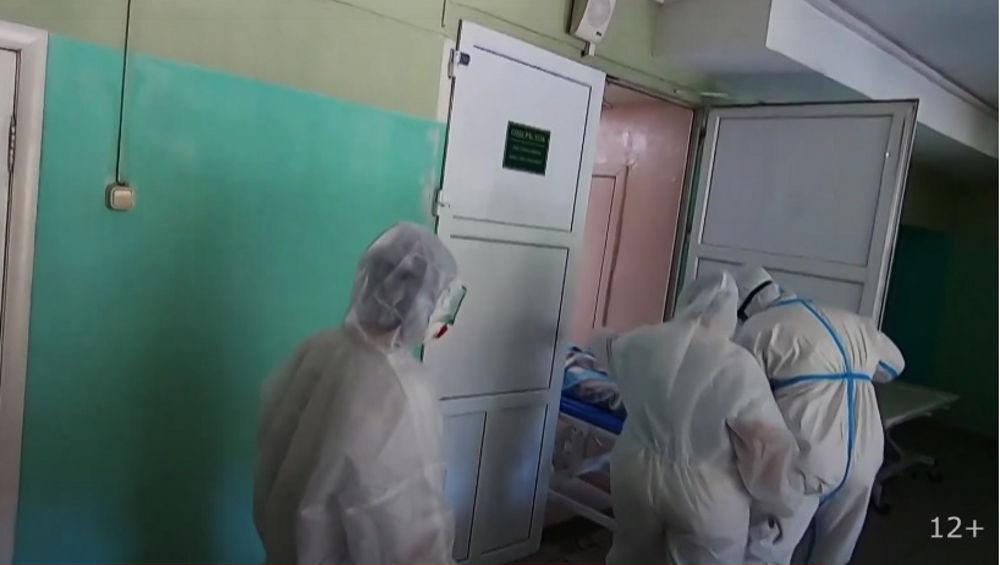 Репортаж из «красной зоны» госпиталя показал телеканал «Брянская губерния»