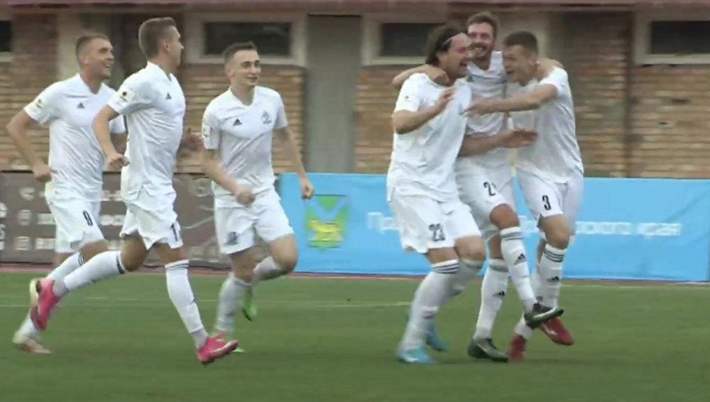 Брянские динамовцы сыграли вничью во Владивостоке