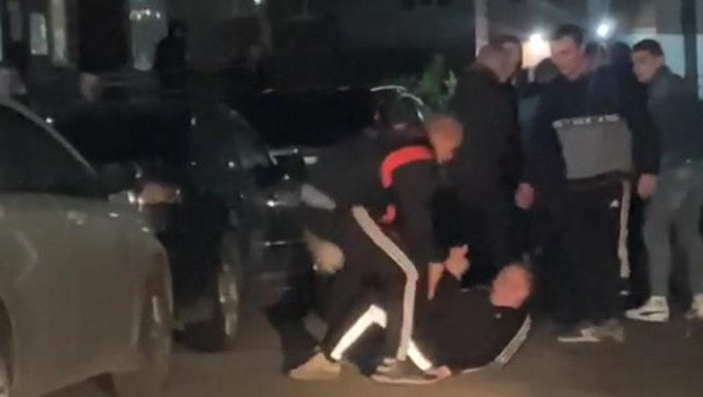 В Брянске молодые люди устроили массовую драку на проспекте Станке Димитрова