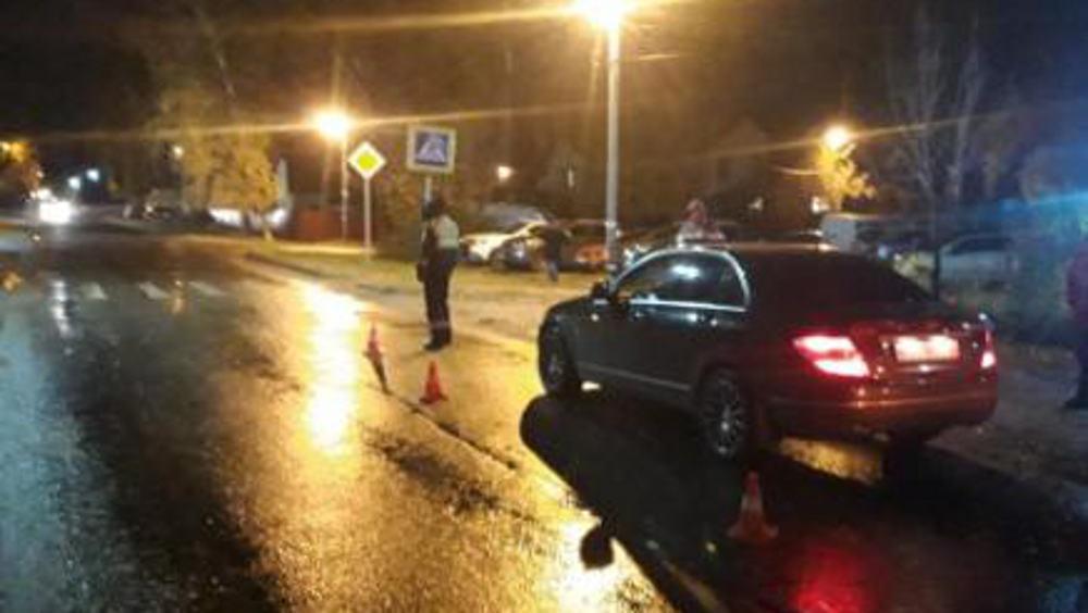 В Брянске пенсионерка на «Мерседесе» сбила женщину на дороге без тротуара