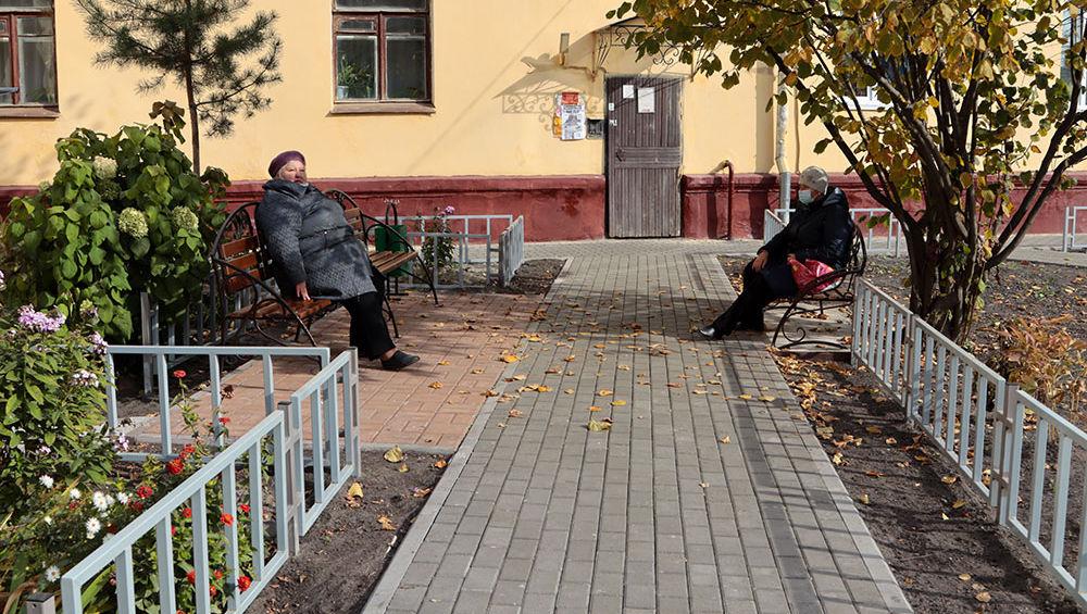 В Брянске благоустроили 10 из 18 запланированных для ремонта дворов