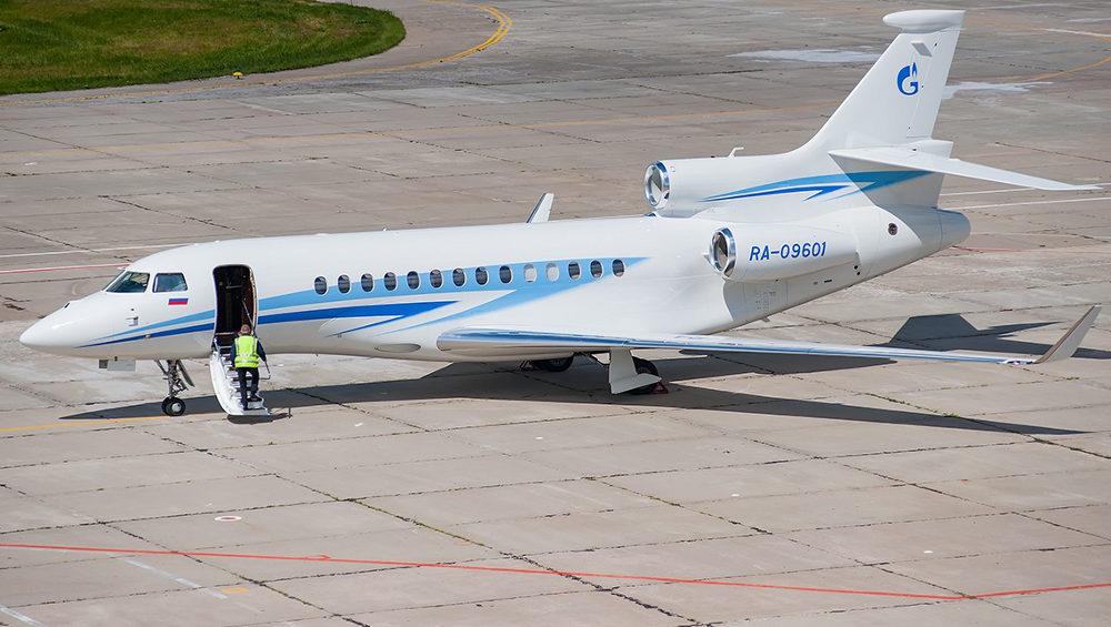 В аэропорту Брянска приземлился неожиданный гость из Москвы