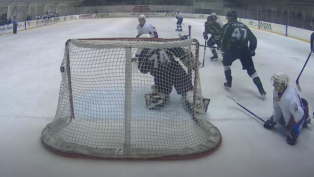 Брянские хоккеисты проиграли во втором матче в Боброве
