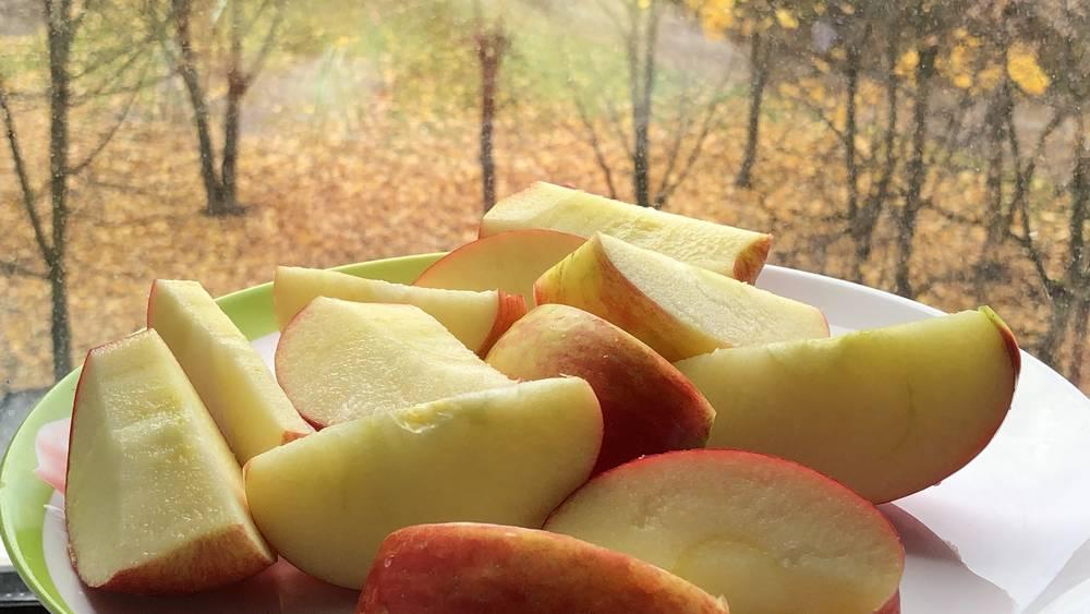 В Брянской области яблоками «медовый хруст» вытеснили польскую контрабанду