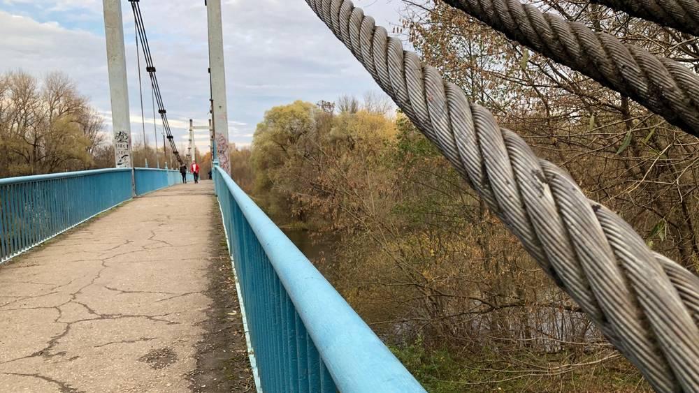 В Брянске началось осеннее паломничество к Голубому мосту