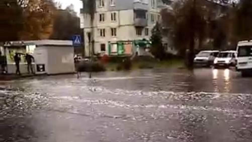 В Бежицком районе Брянска после ливня ушла под воду улица Куйбышева